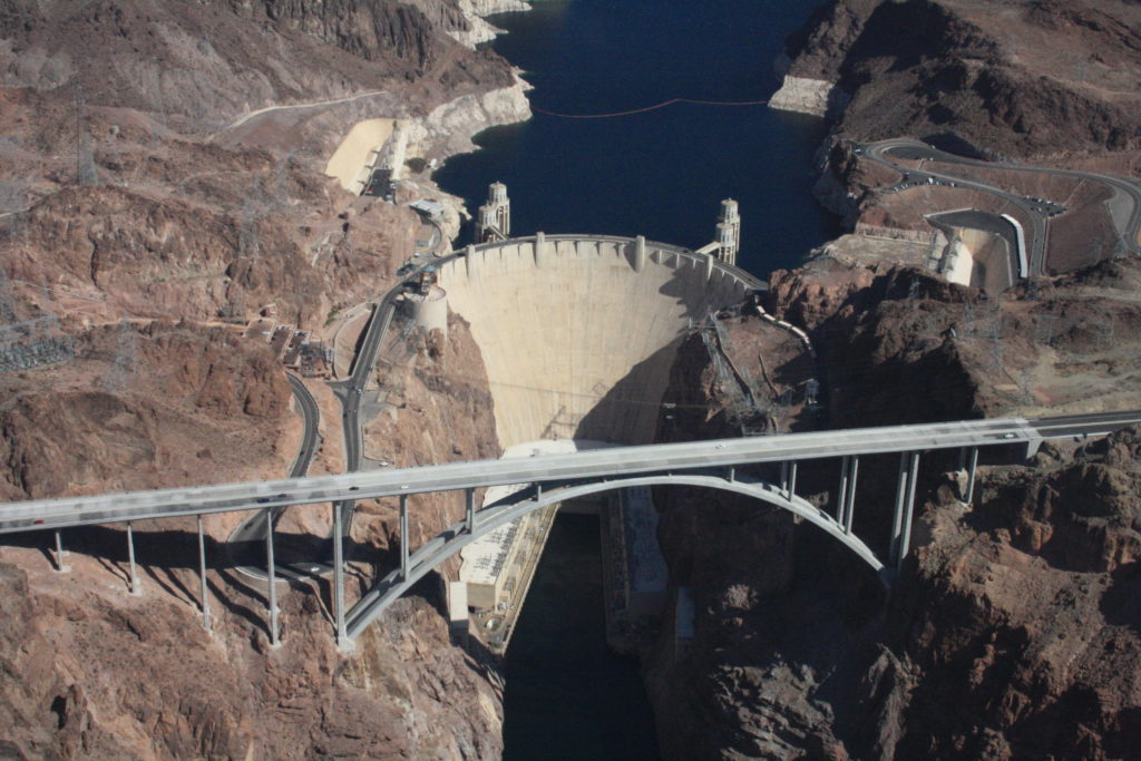 Hoover_Dam,_Colorado_River