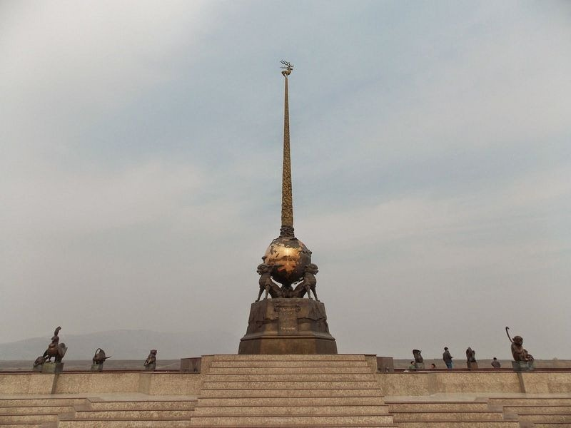 kyzyl-center-of-asia-3[2]