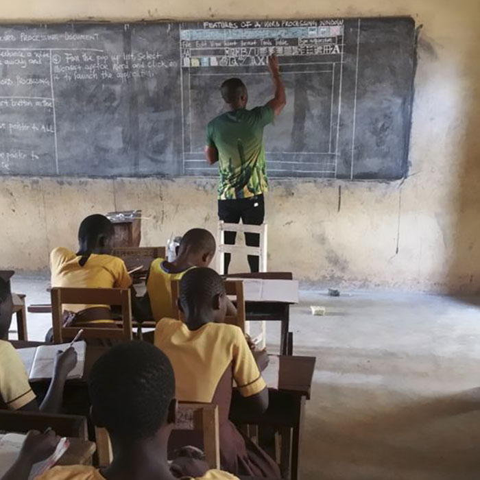 teacher-draws-computer-screen-chalkboard-owura-kwadwo-hottish-ghana-4-5a8fdf8f1c905__700
