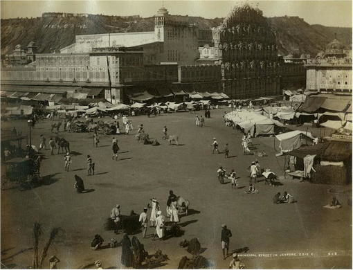 Jaipur,_Hawa_Mahal,_Palace_of_the_Winds_and_the_Principal_Street,_c._1875