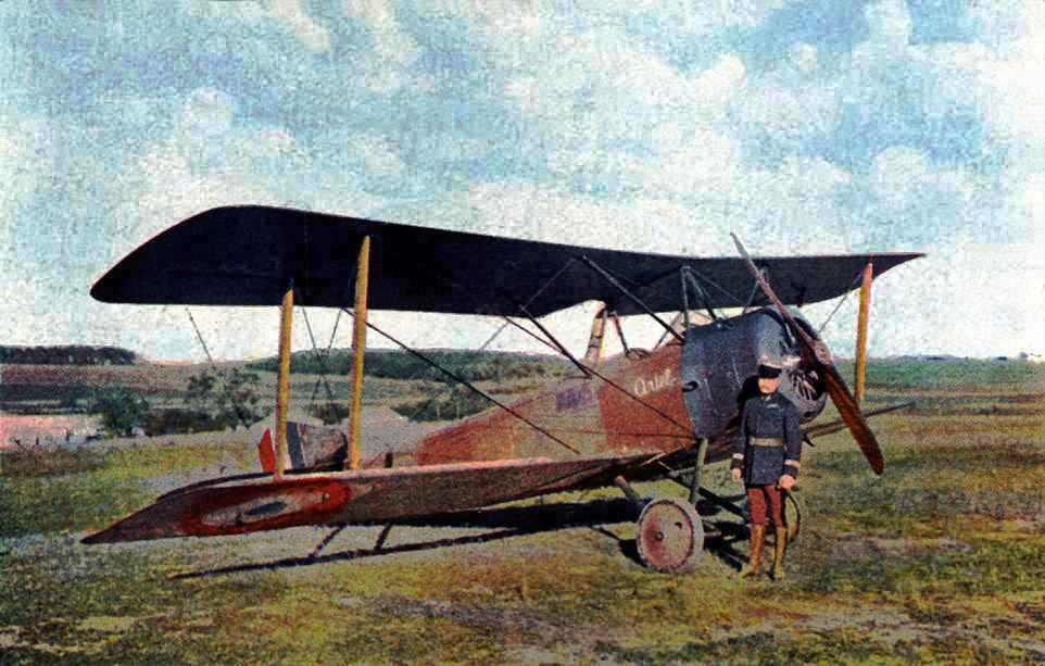 Capitanul francez Robert de Beauchamp în 1916, după o misiune de bombardament